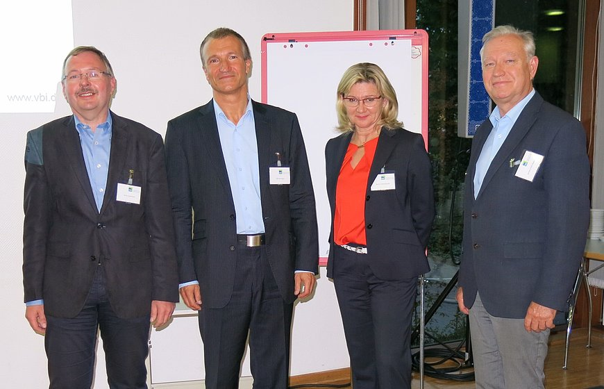 Vorstand des NRW-Landesverbands: Ulrich Estermann, Michael Hippe, Danuta Maciejewski, Gerhard Pühl-Massing. Jan-Gregor Dahlem ist nicht abgebildet.