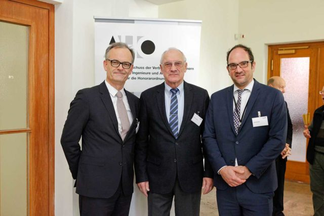 Am Rande der AHO-Tagung: MinDirig Lothar Fehn Krestas, Dr. Erich Rippert und RD Heiko Roeder (v.l.).
