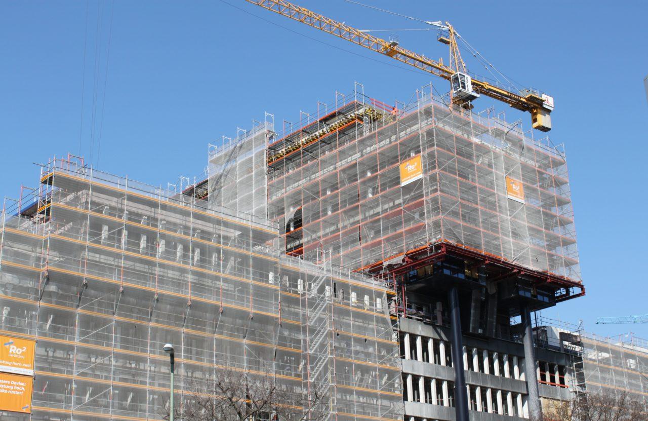Baustelle DIN-Gebäude im März 2020